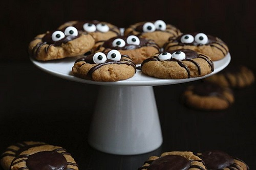 Halloween chocolate peanut butter spider cookies